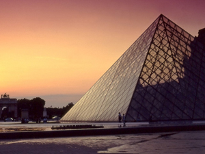 A brief History of the Louvre