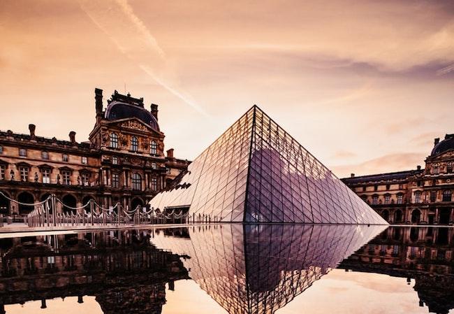 Top 10 Paris Travel Tips