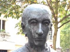 Alphonse Deville statue