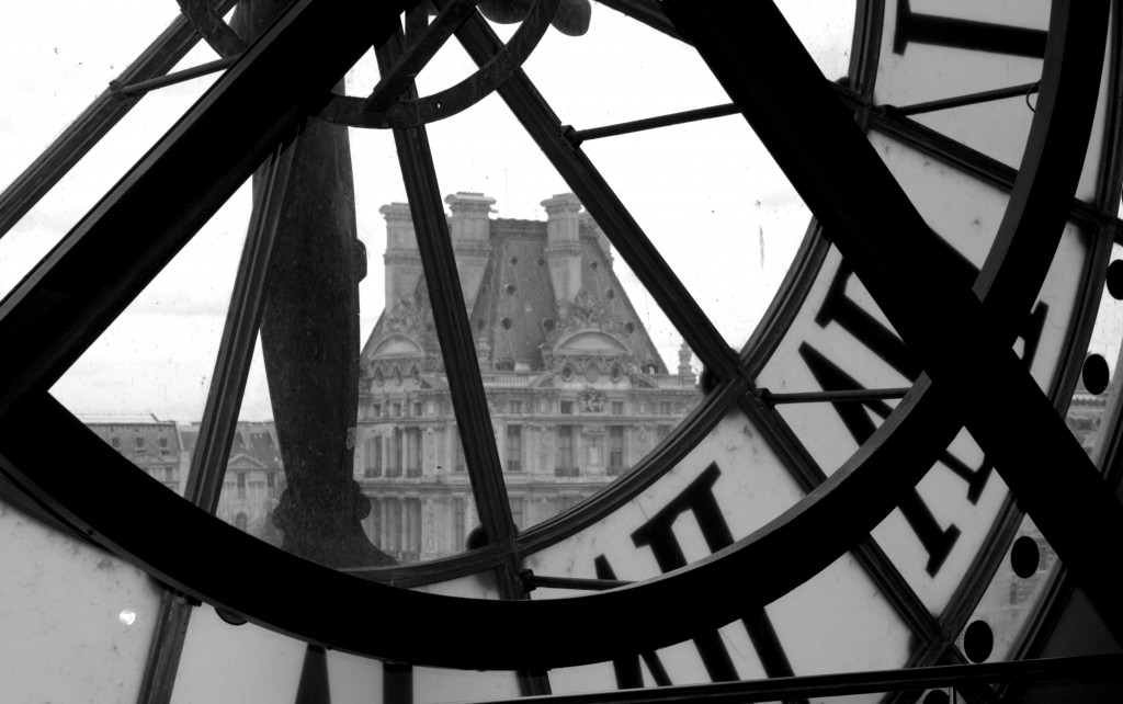 ©Daisy de Plume, interior clock, view of Louvre