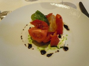 Maison Amerique Latine: Tea-Time at Le Shangri-la & Le Vieux Chalet