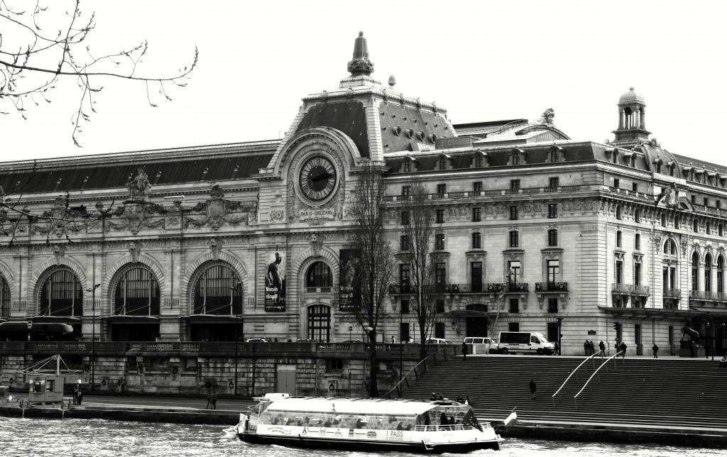 ©Daisy de Plume, exterior with Seine