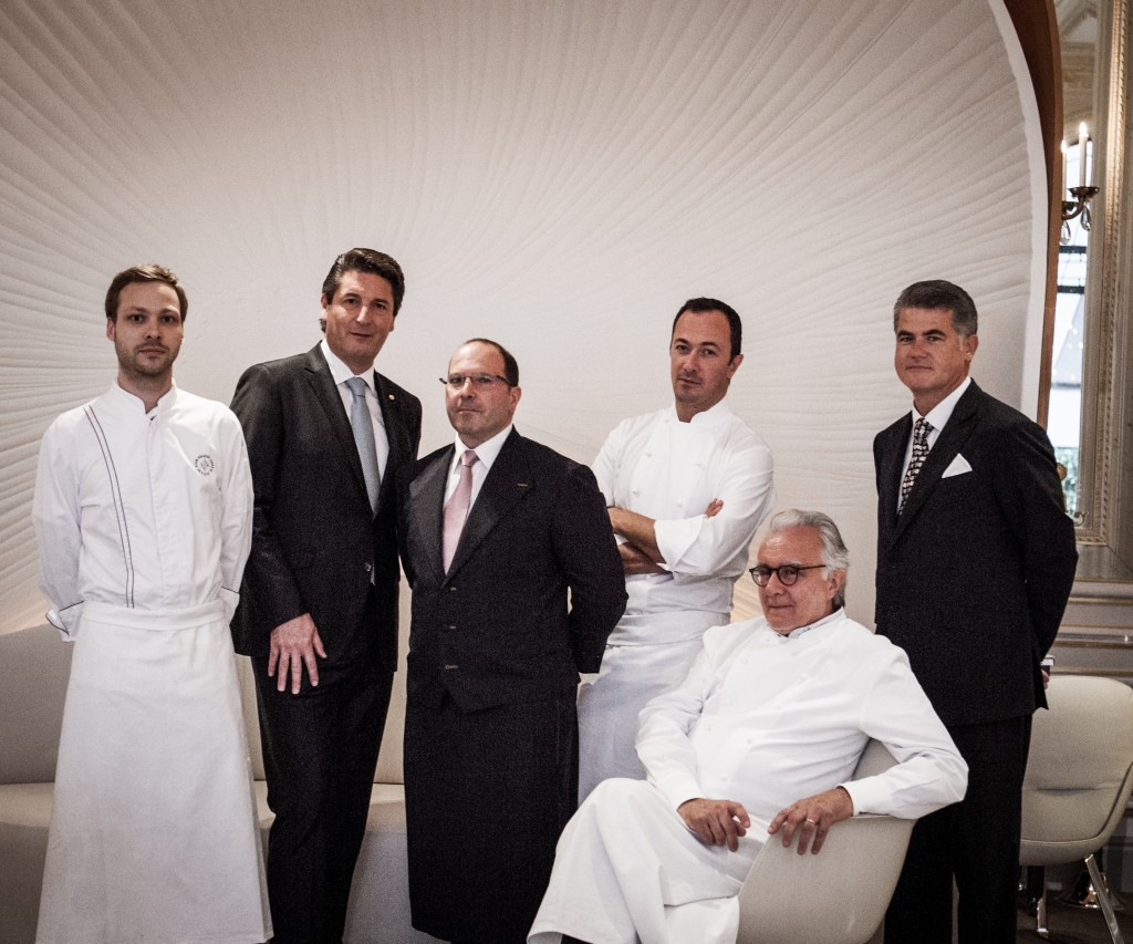 Alain Ducasse & his team at the Plaza Athénée/ Pierre Moneta