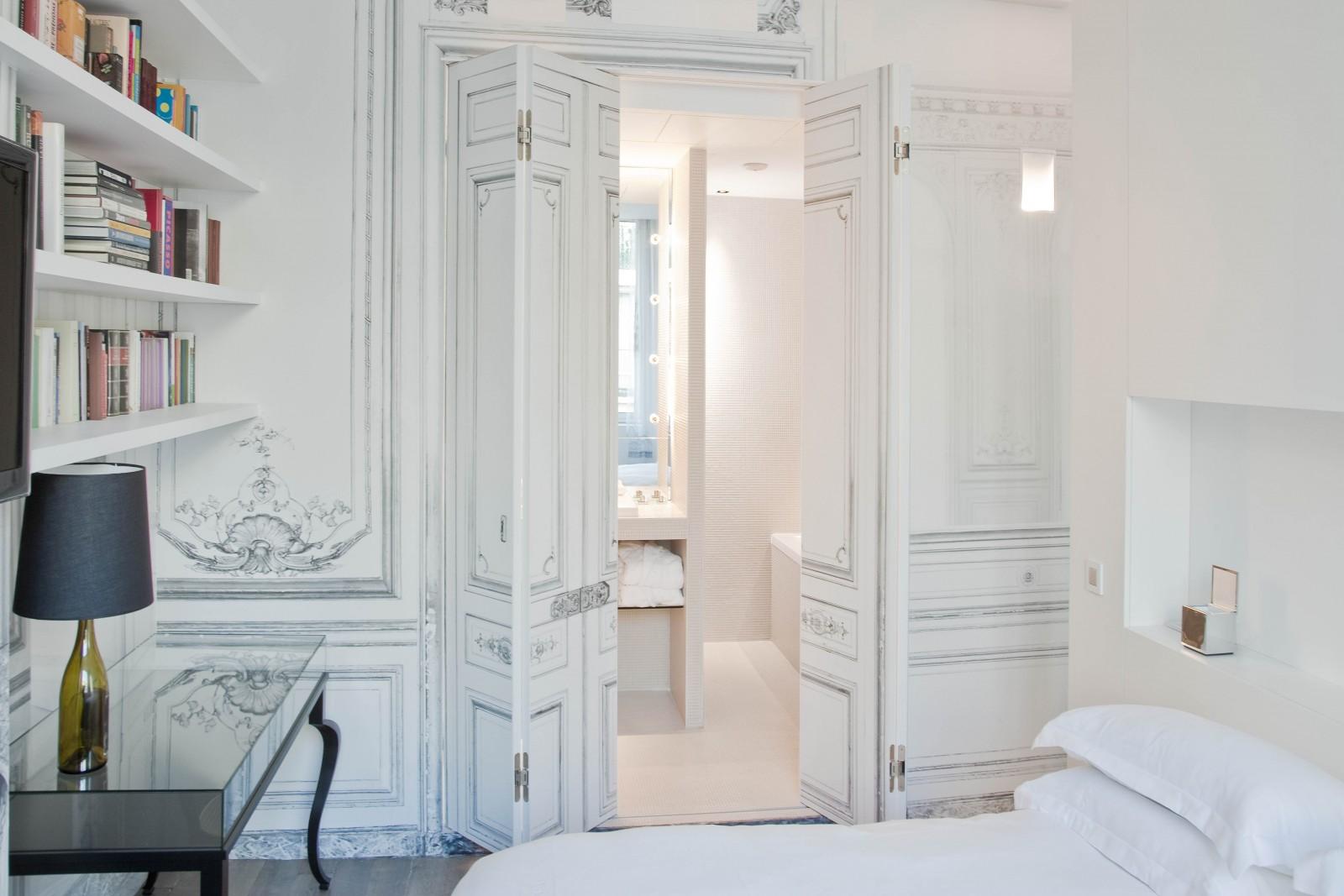 10 design hotels in paris. Black Bedroom Furniture Sets. Home Design Ideas