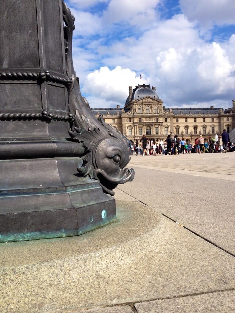 Louvre plumbing/ Daisy de Plume