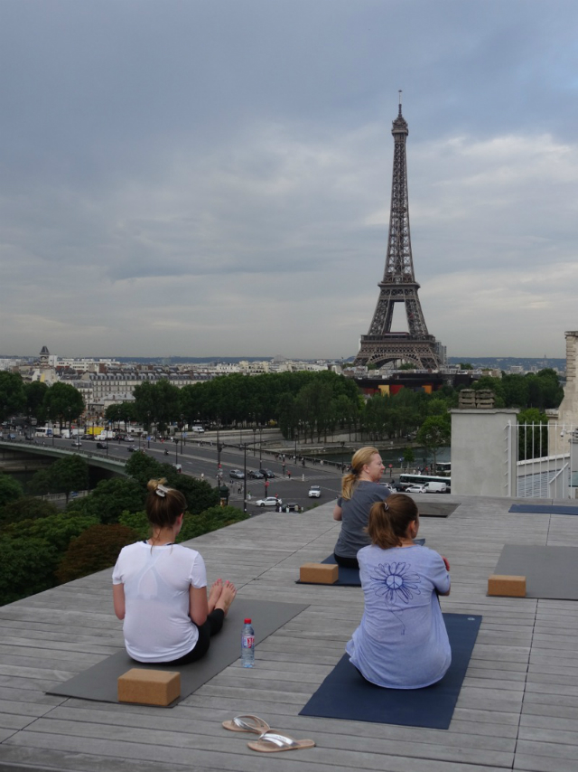 Yoga in Paris/ Loui Franke