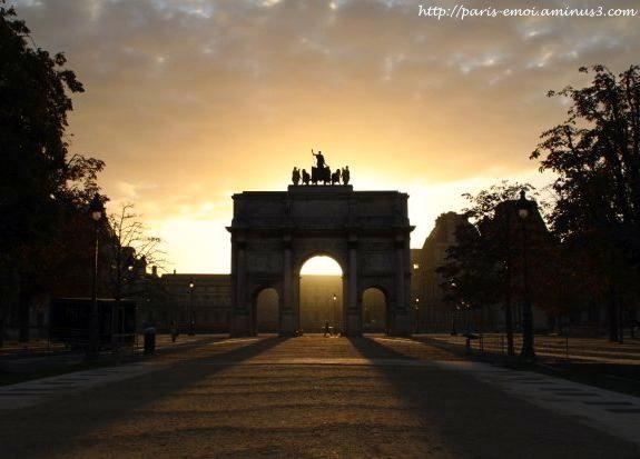 Arc de Triomphe du Carrousel: Napoleon, Victories and Peace