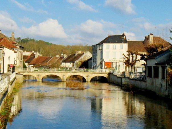 Essoyes, Village Extraordinaire au Pays Renoir
