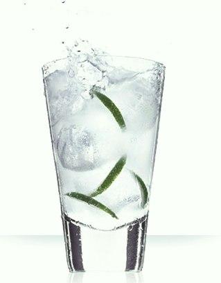 Cointreau Bubbles: Cointreau Cocktail Recipe