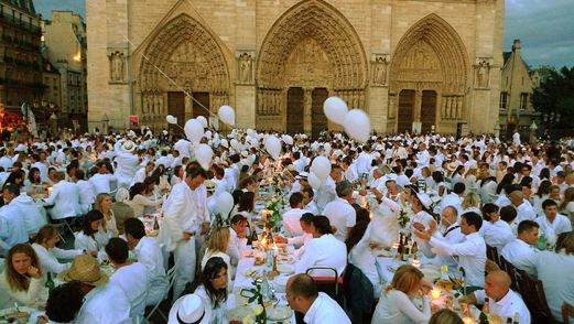 France News Daily Dinner In White At Louvre And Notre Dame