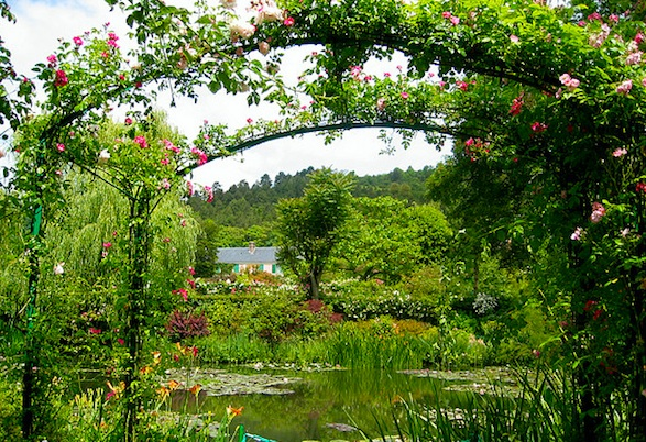 Daytrip to Monet's Giverny Spring Gardens