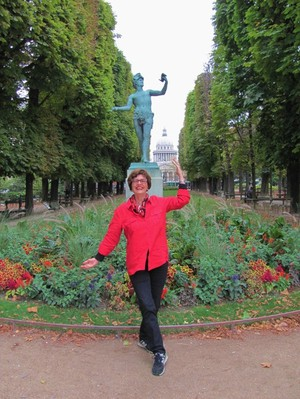 A Day in the Luxembourg Garden with Harriet Welty-Rochefort