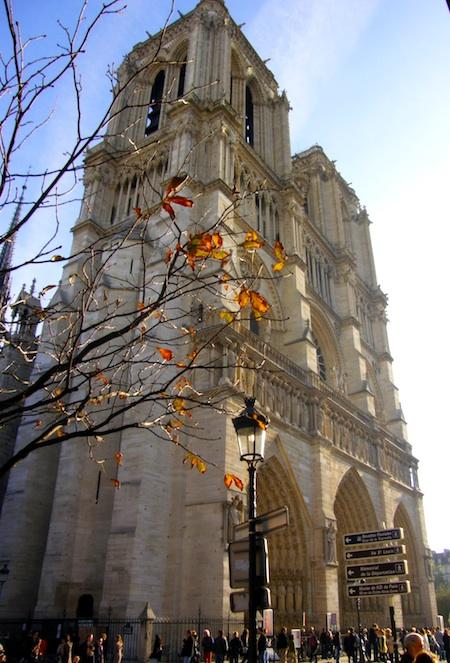 Islands in the Stream: Self-Guided Tour of Paris Ile-de-la-Cite