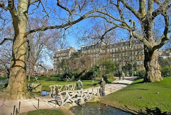 Batignolles: Parisian Quartier du Charme Rewards Exploring