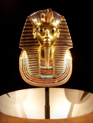 Tutankhamen Arrives In Paris