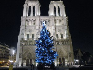 Christmas in Paris & Some Make Merry Suggestions