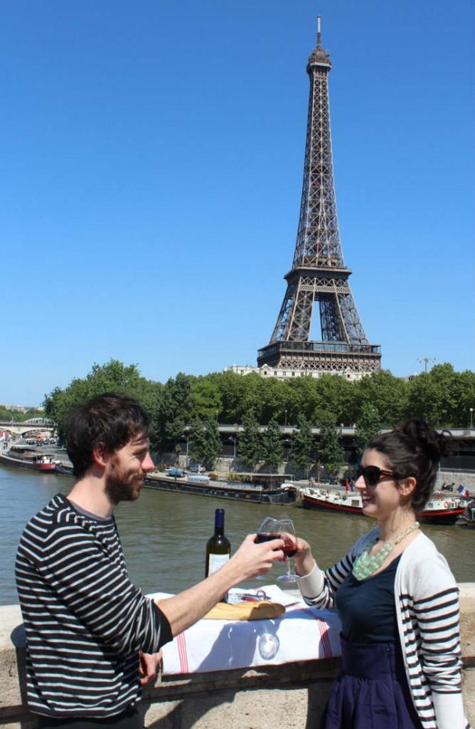 Dating in Paris/ Lisa Czarina Michaud