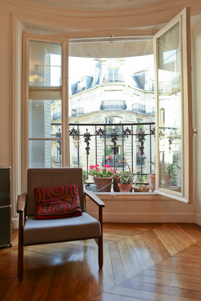 For Sale: 2-Bedroom Apartment in Bohemian Montmartre