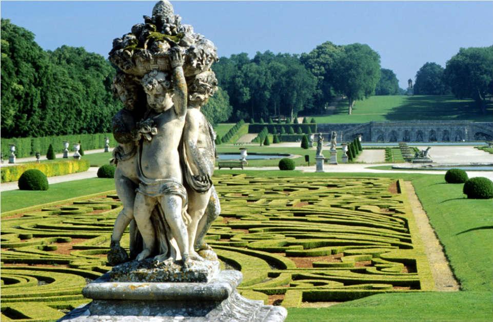 The gardens/ courtesy of Chateau de Vaux le Vicomte