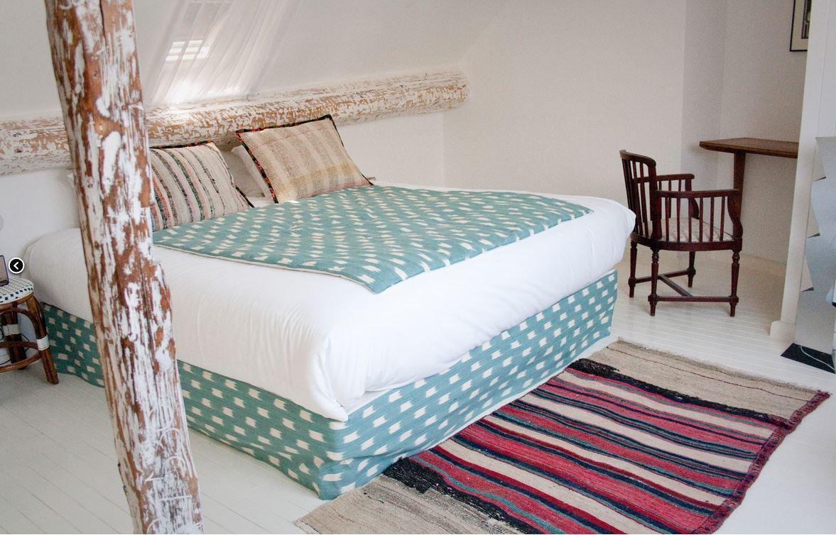 h tel du temps. Black Bedroom Furniture Sets. Home Design Ideas