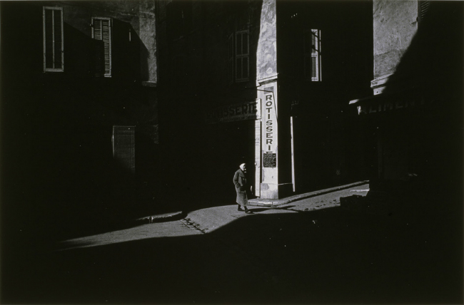 Harry Callahan, France, 1956-1958. MEP Collection, Paris. Courtesy of the Estate of Harry Callahan and the Pace/MacGill Gallery, New York. Courtesy of the artist.