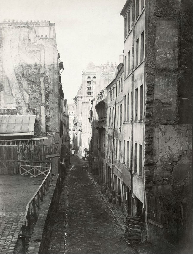 Charles Marville, Rue St. Nicolas du Charonnet, a Medieval street near the Pantheon, 1850s/ Public Domain