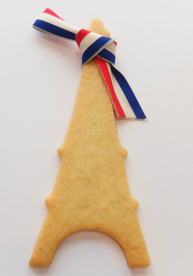 Eiffel Tower cookie, courtesy of Poilâne