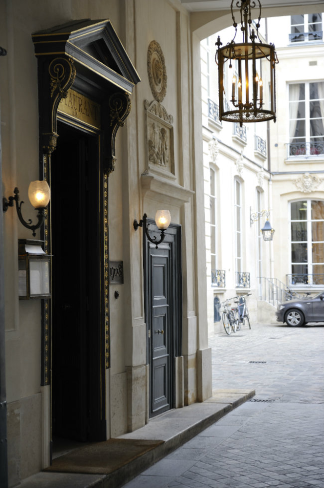 Le 1728 Restaurant in Paris