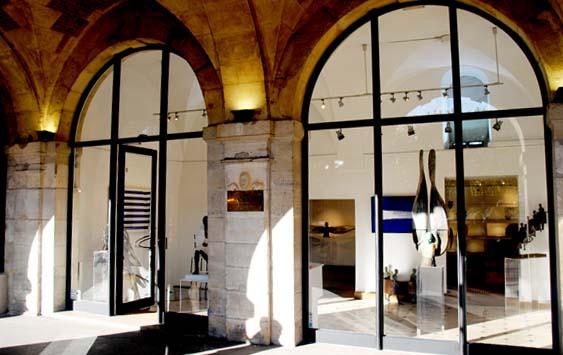 The Ultimate Paris Walking Tour: Art Galleries in the Marais