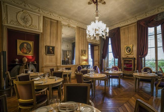 Le 1728 Restaurant in Paris