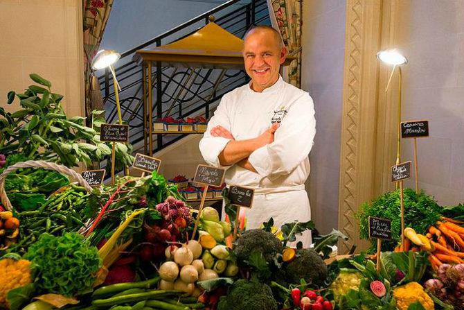 Go Green in Paris: 100% Veggie Dinners at the Shangri-La Hotel