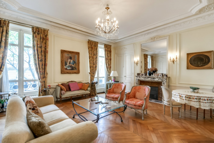 For Sale: An Elegant Apartment Near Parc Monceau