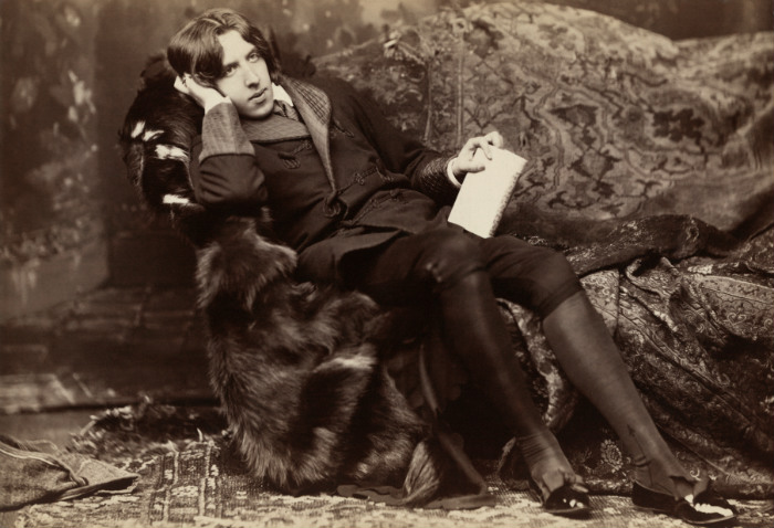 Oscar Wilde by Napoleon Sarony/ Public Domain
