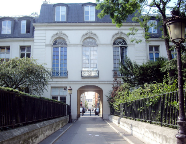 A Local's Guide to Paris Neighborhoods: 17th Arrondissement, Ternes-Side