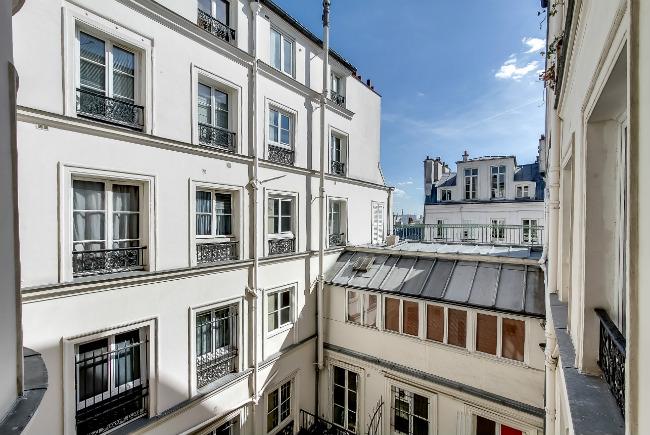 Meslay Marais 2-bedroom apartment for sale
