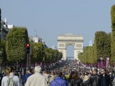 The Champs Elysées without cars