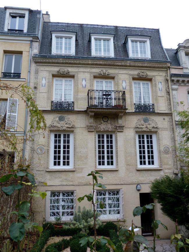 A house in the Cité des Fleurs