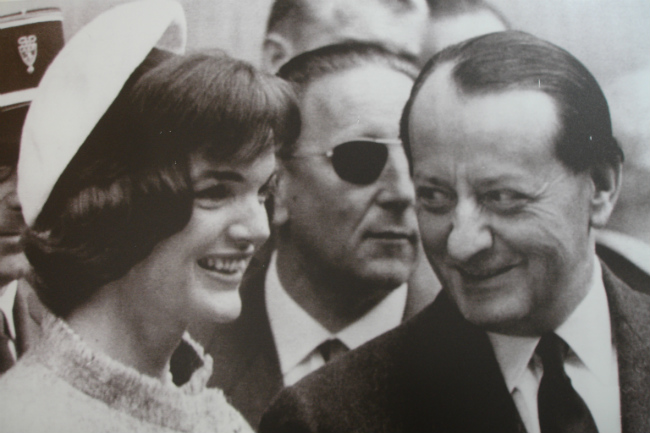 Jackie meets André Malraux in Paris