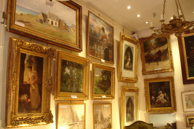 antique paintings at the Paris Puces