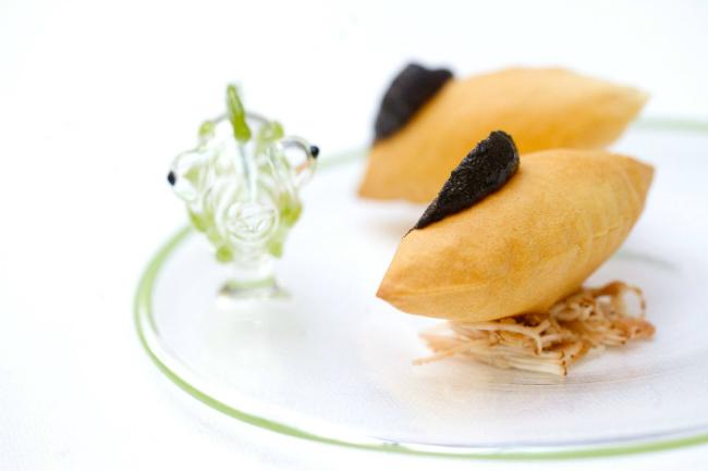 New restaurant openings in paris for Amuse bouche cuisine