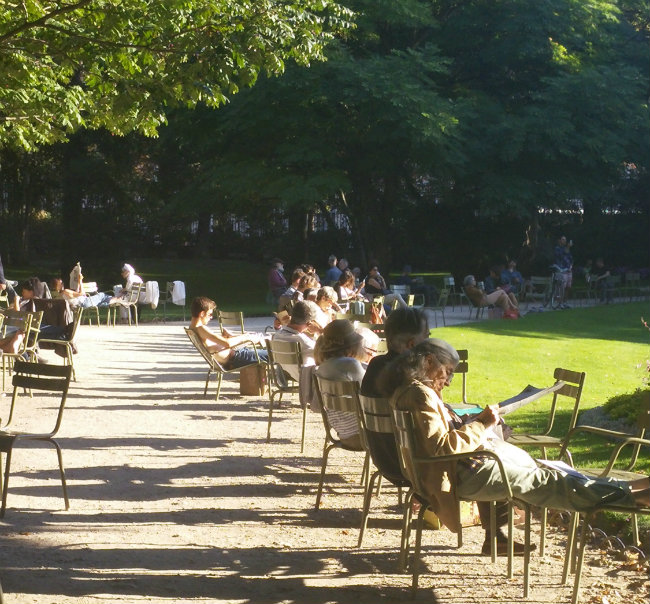 A Perfect Day In The Jardin Du Luxembourg In Paris
