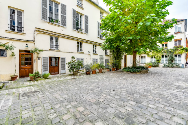 Paris apartment for sale near the Place des Vosges