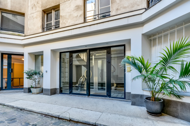 Paris apartment for sale in the 8th