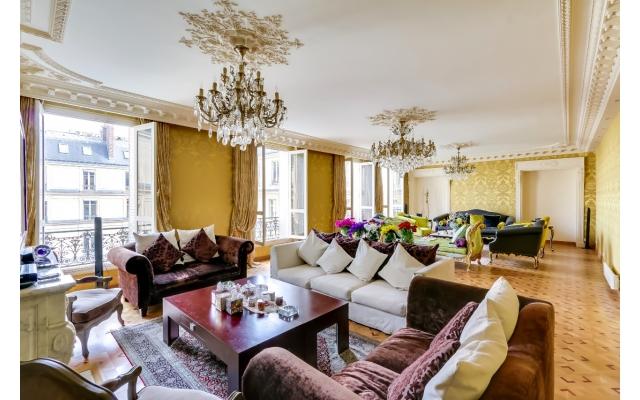 For Sale: Gorgeous 4-Bedroom Apartment   Etoile Marceau
