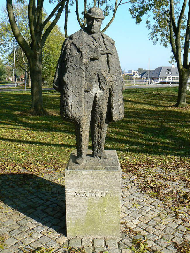 sculpture Maigret (1966) by Pieter d'Hont in Delfzijl/The Netherlands