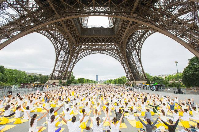 Yoga in Paris: A Comprehensive Directory of Studios