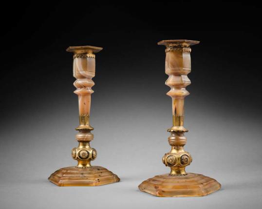 Late 17th century agate candlesticks, Galerie Altéro
