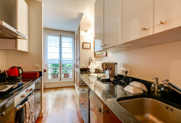 Haussmannian apartment for sale in the 8th