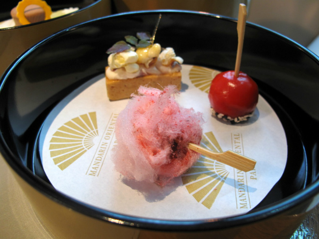 Candy floss in the circus bento box