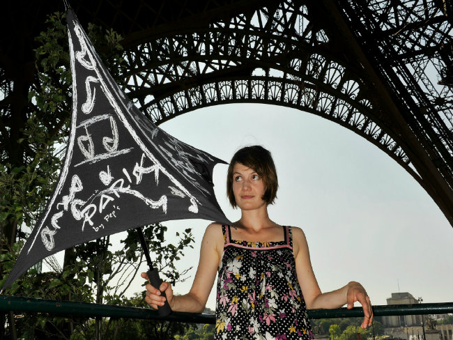 Eiffel Tower umbrella, PEP's